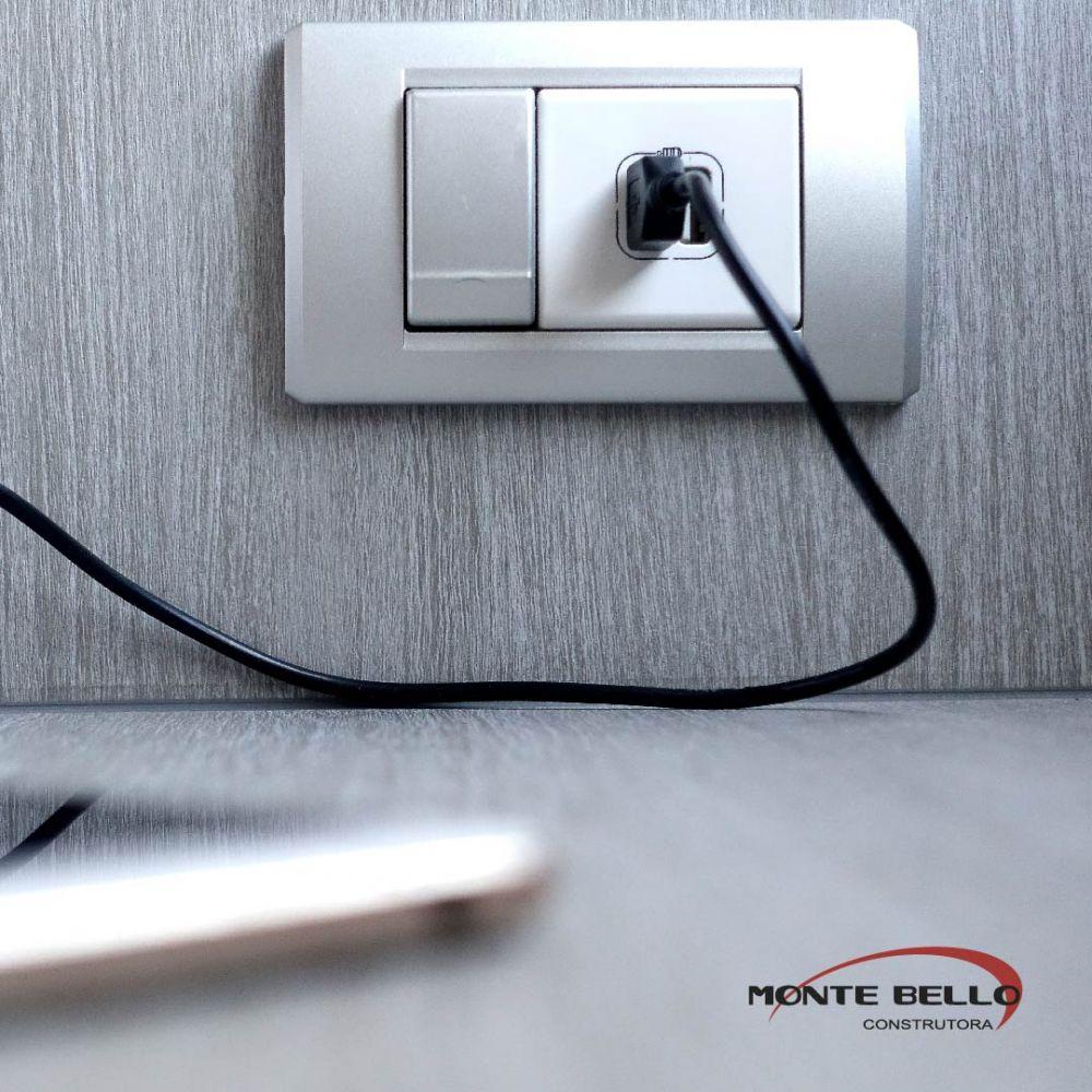 Tomada USB: conheça a tecnologia que proporciona uma recarga eficiente e praticidade para o dia a dia